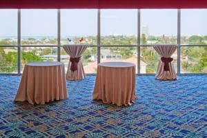Bayside Pre-Function, Lido Beach Holiday Inn, Sarasota