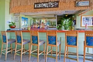 Kokonuts Tiki Bar, Lido Beach Holiday Inn, Sarasota