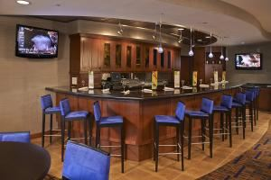 Showers Of Happiness Package, Courtyard Shelton, Shelton — Bar & Lounge