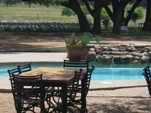 Live Oak Rental Package, Sandy Oaks Ranch, Devine