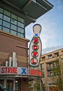Lucky Strike Belmar, Denver
