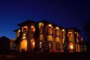 Wedding and/or Reception reserving Patio & Villa Royal Room, Crown Winery LLC, Humboldt — Villa at night