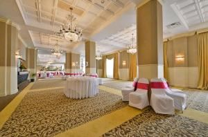 Wedding Packages Starting at $52, Legendary Genetti Hotel & Suites, Williamsport