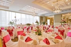 Platinum Wedding Package, Legendary Genetti Hotel & Suites, Williamsport