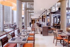 Bistro 300 Lounge, Hyatt Regency Baltimore, Baltimore