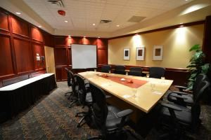 Corporate Meeting Package, iHOTEL 67 Street and Spa, Red Deer — Our boardroom