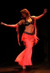Dance With Aksana, Portland — Aksana is internationally trained belly dance instructor and accomplished performer who currently resides in beautiful Portland, Oregon.