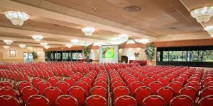 Royal Crest Room, Pickwick Gardens Conference Center, Burbank