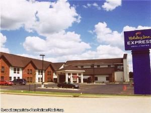 Holiday Inn Express Hotel & Suites-Watertown, Watertown