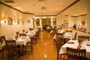 Old City Grille, Holiday Inn Saddle Brook, Saddle Brook