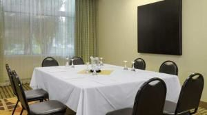 Manhattan Room Rental, Doubletree Hotel Los Angeles International Airport, El Segundo