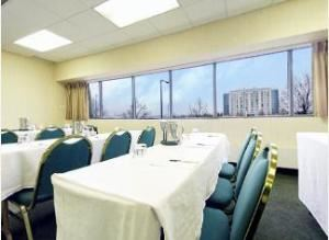Braeburn Room, Crown Plaza Hotel & Suites Bloomington-Airport-Mall Of America, Minneapolis