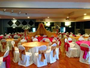 Wedding Reception Package, Tutus & Tennis Shoes Events Center, Maumelle