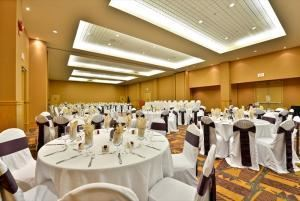 Winspear Ballroom, iHOTEL 67 Street and Spa, Red Deer