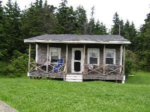 2 Bedroom Cabin, The Driftwood Inn, Bailey Island — 2 Bedroom cabin ,double bed ,2 twin beds, full kitchen,full bath ,small living room, deck looking to ocean..