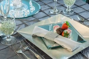 Byblos Niagara Resort & Spa, Byblos Niagara Resort and Spa, Grand Island — Table Setting