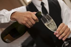 Open Bar from $21, Deering Bay Yacht & Country Club, Miami