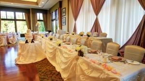Emerald Wedding Package, Deer Creek Golf & Banquet Facility, Ajax
