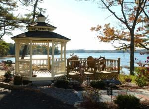 Outdoor Function Area, Sheepscot Harbor Village & Resort, Edgecomb