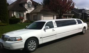 Wedding Package for stretch ten passenger Limousine, Northstar Limousine Service, Surrey — Lincoln Town car Limousine-Can seat up to Ten passengers.