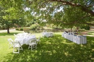 Out door space, Cooper Hotel Conference Centre & Spa, Dallas — Beautiful grounds are available for wedding ceremony or reception.