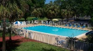 Sister Property-Holiday Inn Gainesville, Americas Best Value Inn - I-75 Gainesville North, Gainesville — Ramada Limited Gainesville Pool View