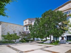 Emily's Rose Court, La Cantera Hill Country Resort, San Antonio — Emily's Rose Court