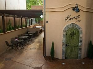 Standard Event Venue Rental + West End, Eventi Ltd., Sacramento — Eventi Ltd. patio