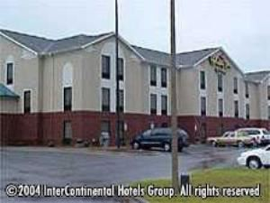 Holiday Inn Express & Suites, Milton