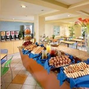 Ricky's Cafe, Comfort Inn & Suites Hotel Circle Sea World, San Diego
