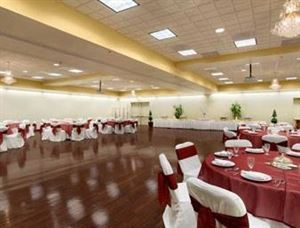 Wingate by Wyndham Fredericksburg Hotel and Conference Center, Fredericksburg — Mary Washington Ballroom
