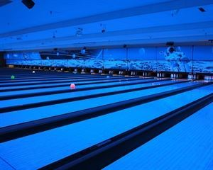 Bowling Lanes, Lunar Bowl & The Blue Moon, Blue Springs