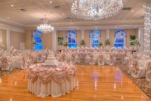 Ballroom North, Abbington Distinctive Banquets, Glen Ellyn — North Ballroom