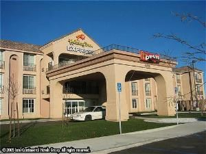 Holiday Inn Express - Lancaster, Lancaster