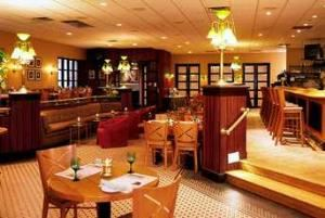 JR's Restaurant & Lounge, Sheraton Eatontown Hotel, Eatontown