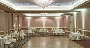A Gold Wedding Package, Hilton Alexandria Old Town, Alexandria