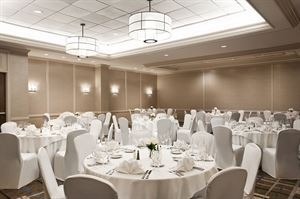 Longfellow Room, DoubleTree Suites by Hilton Hotel Boston - Cambridge, Allston