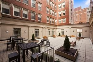 Courtyard, DoubleTree by Hilton Hotel Boston - Downtown, Boston