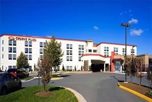 Crowne Plaza Dulles Airport, Herndon — The Crowne Plaza's convenient location is 22 miles from Washington, DC attractions and only 4 miles from the Smithsonian Udvar-Hazy Air & Space Museum. Its central location is within walking distance to venues, including Worldgate Center, which features shops, restaurants and a multiplex movie theater. For added convenience, a complimentary shuttle to and from Dulles Airport is available 24 hours a day as well as an Enterprise Car Rental Desk is located right on site!  When staying with us, don't forget to visit the lively and popular New Houlihan's Restaurant and Bar.