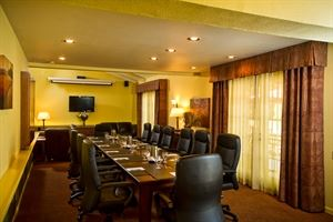 Chardonnay Suite, Pala Mesa Resort, Fallbrook — Chardonnay Suite  Meeting Set
