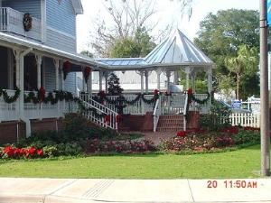 Gazebo, Longwood Community Building, Longwood