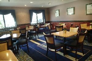 Best Western - Airport Inn, Warwick — Breakfast area