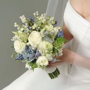 Cheryl Ann Wedding & Party Floral Design, Conshohocken — From intimate garden parties to grand affairs, Cheryl will plan your wedding to reflect your personal style! Beautiful bouquets, Gorgeous centerpieces, Invitations, Calligraphy, Accessories, Isle Runners and more.