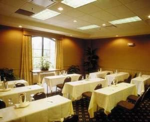 Bienville Room, Hampton Inn & Suites New Orleans-Convention Center, New Orleans