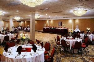 Devon Room, Carriage House Restaurant & Conference Center, West Chester — Ballroom