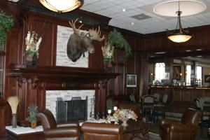 Wild Horse Lounge, Palomino Grill at Terradyne Country Club, Andover