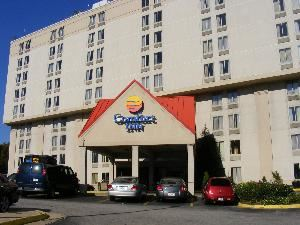 Comfort Inn Alexandria, Alexandria — The Comfort Inn Alexandria located off of I-495, exit 173. Located in the heart of Alexandria. Close to area attractions: 3 miles from Old Town, 7 miles from Washington D.C. and minutes from Maryland and Tysons Corner.