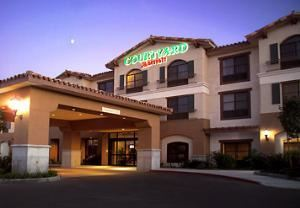 Courtyard Thousand Oaks Ventura County, Newbury Park — The Courtyard by Marriott Thousand Oaks is conveniently located with access to the major businesses on the 101 Technology Corridor. With 120 Guest Rooms and 2 meeting rooms with 1,055 sq ft total meeting space, this Thousand Oaks Hotel is sure to meet all of your needs.