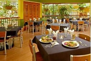 Andiamo, Embassy Suites Orlando - Lake Buena Vista Resort, Orlando — Andiamo featuring a light Italian cuisine.