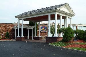 Best Western Inn of Cobleskill, Cobleskill — Front Entrance